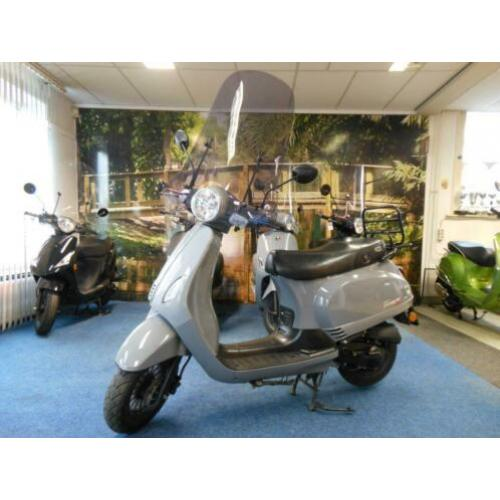 gts toscana brom scooter en gts toscana snor scooter